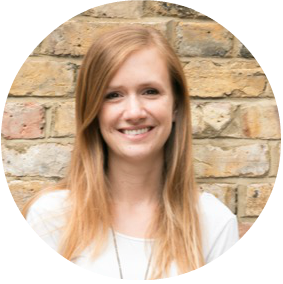 LAURA COLLINS - Digital Marketing Expert 30