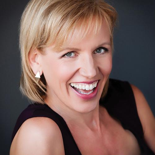 MARI SMITH - Digital Marketing Expert 3